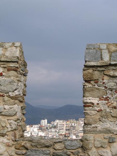 Кавала, гледана от крепостта