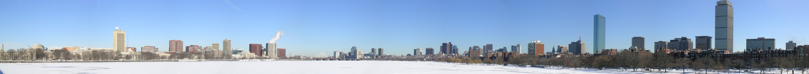 Panoramic view from Harvard Bridge in the winter
